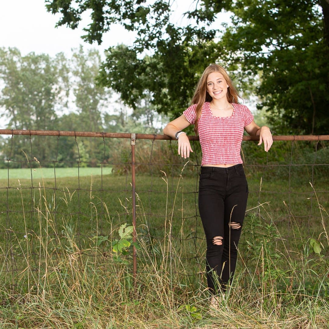Senior photo of Shelby, High School Student in Noblesville, Indiana